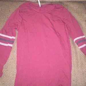 maroon black and white long sleeve shirt